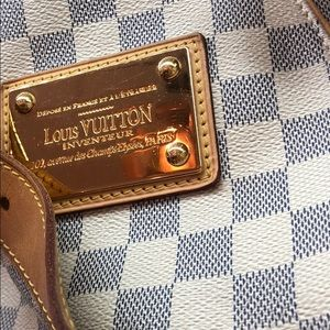 Louis Vuitton Bags - louis vuitton galleria tote. authentic.